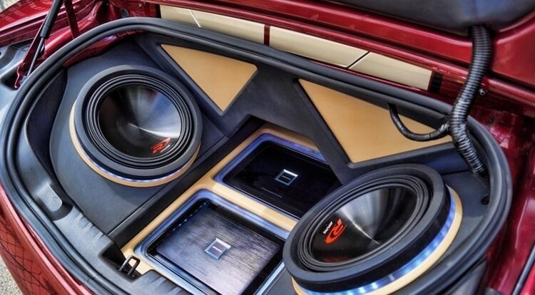 Автомобильные корпусные сабвуферы - типы корпусов