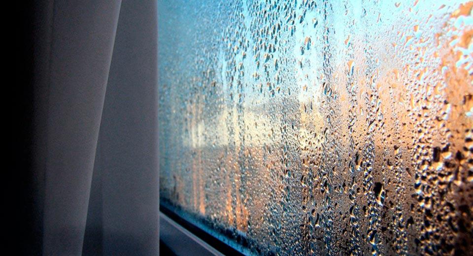 Как убрать конденсат на пластиковых окнах